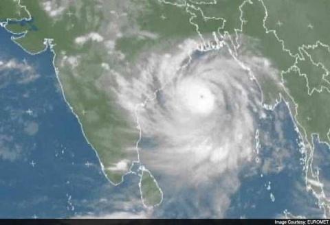 Cyclone Phailin Makes Landfall in India - Novinite com