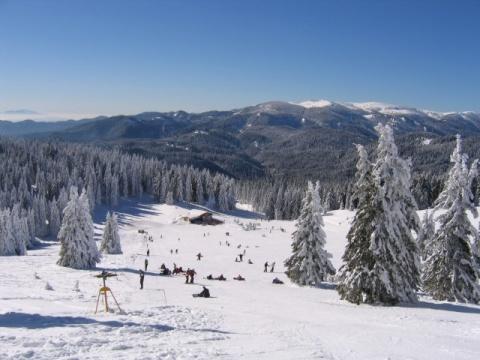 Bulgaria: Environment Inspectors Uncover Violations at Top Bulgarian Ski Resort