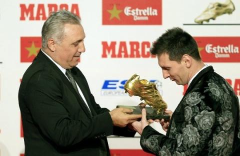Bulgaria: Bulgaria's Stoichkov Awards Lionel Messi 'Golden Boot'