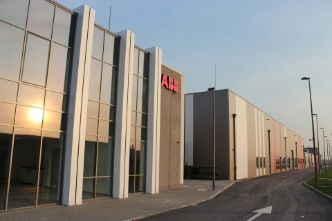 Bulgaria: ABB Receives Bulgarian Building of Year 2013 Award