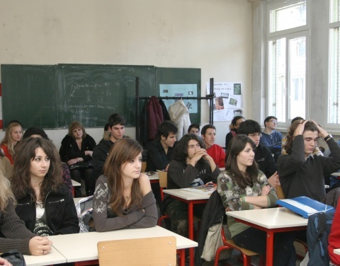 Bulgaria: Bulgarian Students Youngest Dropouts in EU