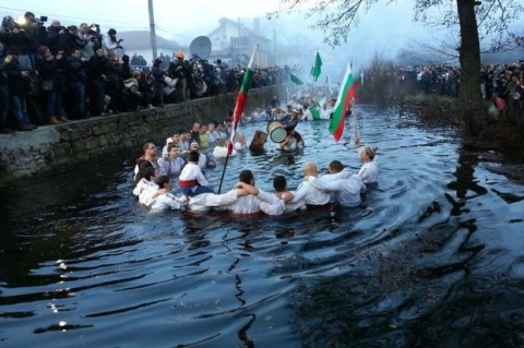 Bulgaria: Bulgarians Celebrate Epiphany Diving in Ice-Cold Waters