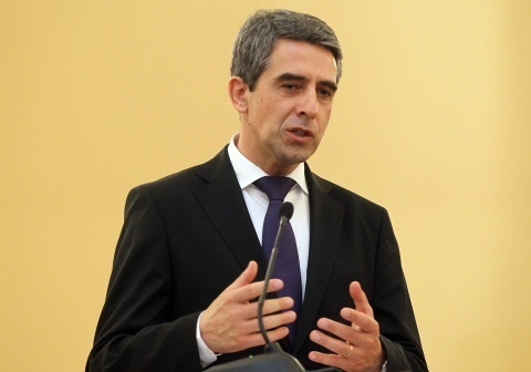 Bulgaria: Bulgarian President: 'Technically Impossible' to Meet Davutoglu