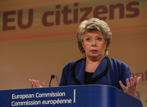 Bulgaria: EU Justice Commissioner Viviane Reding Robbed in London