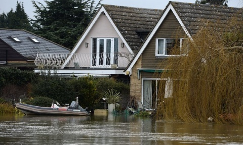 Bulgaria: Hurricane Winds Add to UK Environmental Disaster