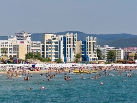 Bulgaria: 6000 Austrian Pensioners To Go On Vacation In Bulgaria's Sunny Beach