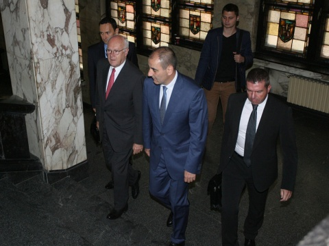 Bulgaria: Interior Ministers Blocked 'Hundreds' of Surveillance Permits