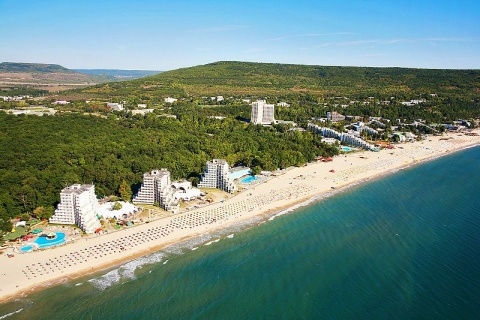 Bulgaria: Bulgaria's Black Sea Resort Albena Opens Beach Library