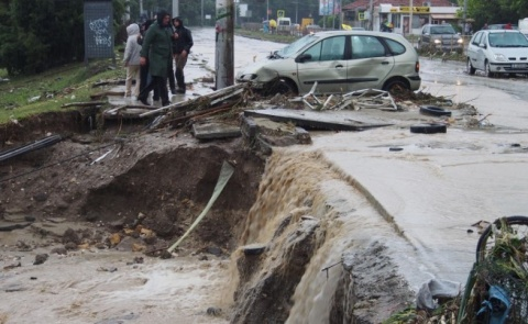 Bulgaria: Volunteers Much Needed in Flooded Varna's Asparuhovo District
