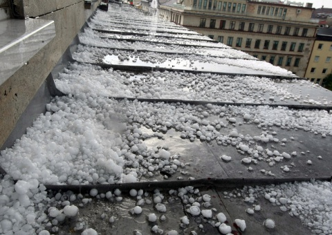 Bulgaria: Code Yellow Issued in 7 Districts over Risk of Hail, Thunderstorms