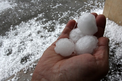Bulgaria: Code Yellow in 5 Bulgarian Districts over Hail, Torrents Friday