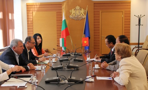 Bulgaria: Vietnam Interested in Importing Bulgarian Fruits, Vegetables