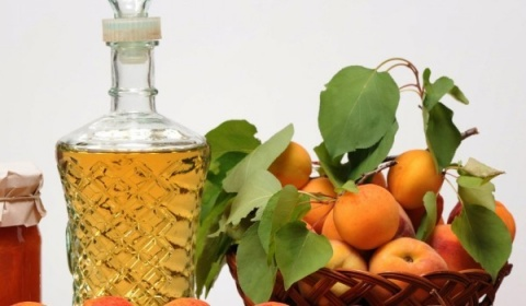 Bulgaria: Apricot Rakia From Silistra To Be In Short Supply This Year