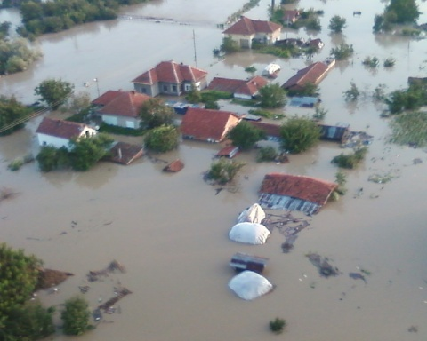 Bulgaria: Two Bulgarian Ministers Travel to Flood-Stricken Mizia