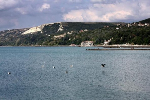 Bulgaria: Inspections Find Violations at 1 out of 7 Bulgarian Beaches