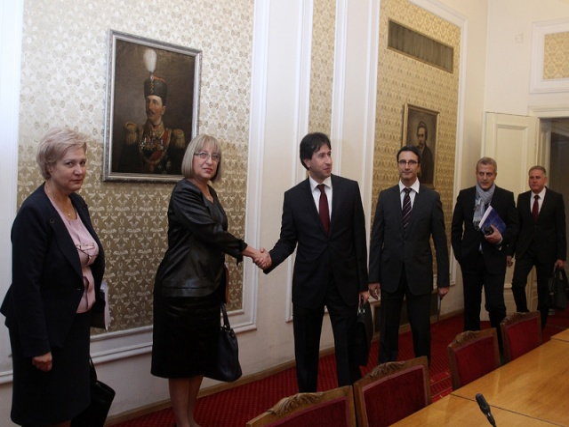 Bulgaria: GERB, Reformist Bloc Leave Door Open for New Gov't Talks