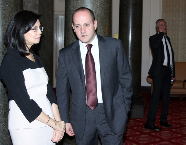 Bulgaria: Reformist Bloc Turns Down GERB's Offer to Join Minority Gov't