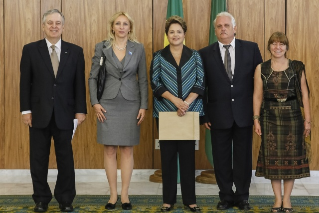 Bulgaria: Brazil's Rousseff Receives Credentials of Bulgarian Ambassador