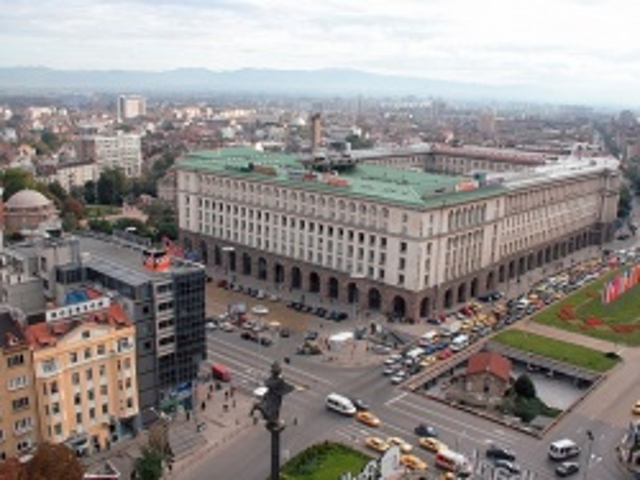 Bulgaria: Yellow Dust Found All Across Sofia