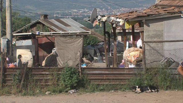 Bulgaria: Illegal Roma Buildings in Bulgaria's Garmen 'Remain Intact'