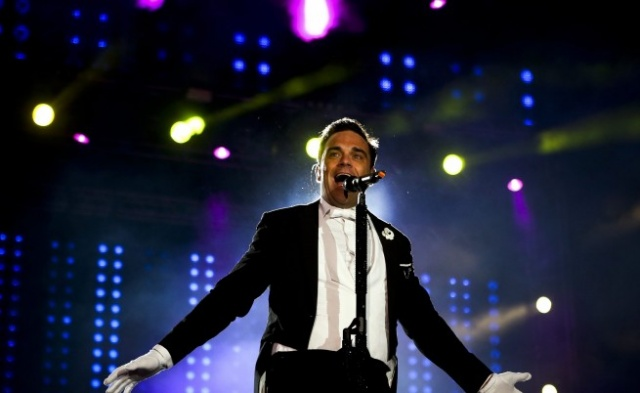 Bulgaria: Robbie Williams to Hold First Ever Beach Concert in Burgas