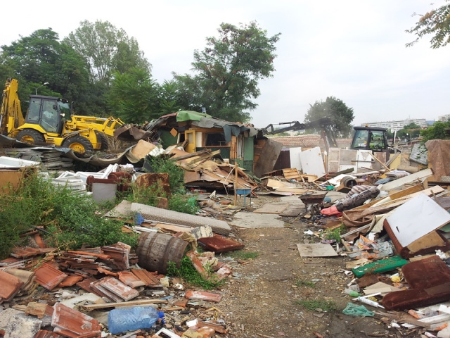 Bulgaria: Authorities Start Razing Illegal Roma Buildings in Bulgaria's Varna