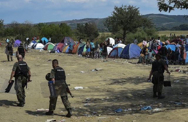 Bulgaria: UNHCR Worried about Migrants' Plight at Greece-Macedonia Border