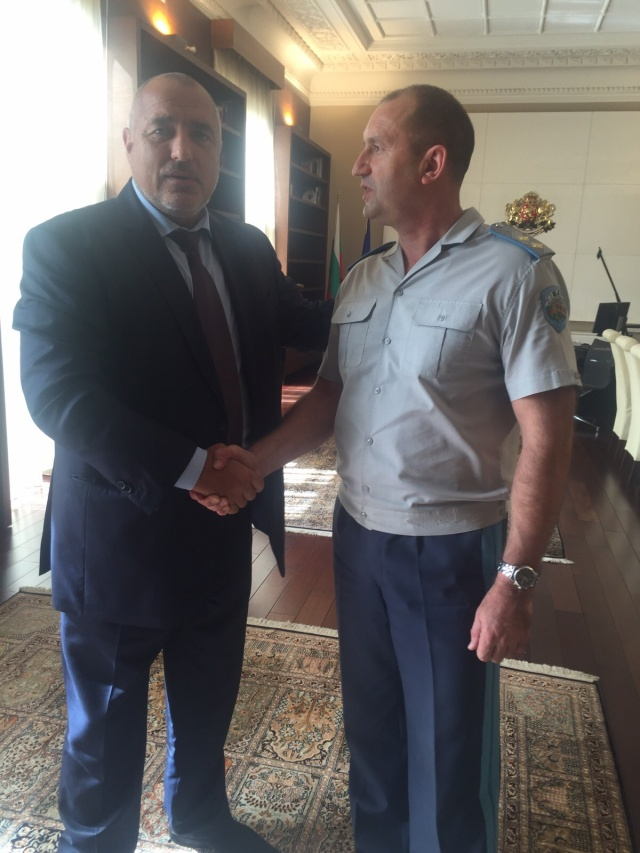 Bulgaria: Commander of Bulgarian Air Force Withdraws Resignation After Talks with PM