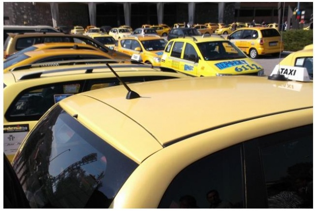 Bulgaria: Bulgarian Lawmakers Approve New Requirements for Taxi Drivers