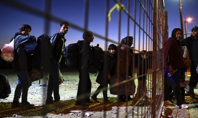 Bulgaria: Macedonia Preparing to Build Fence at Borders to Control Migrant Flow