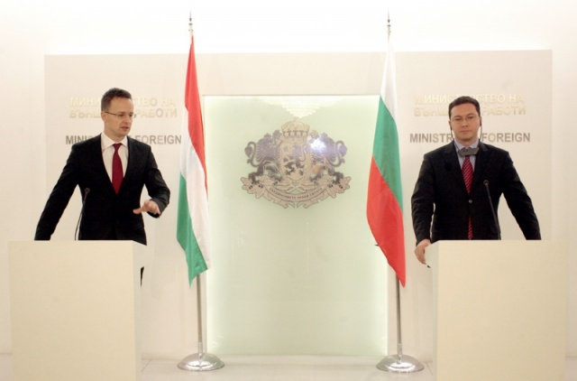 Bulgaria: Hungarian FM Reaffirms Support for Bulgaria's Schengen Accession