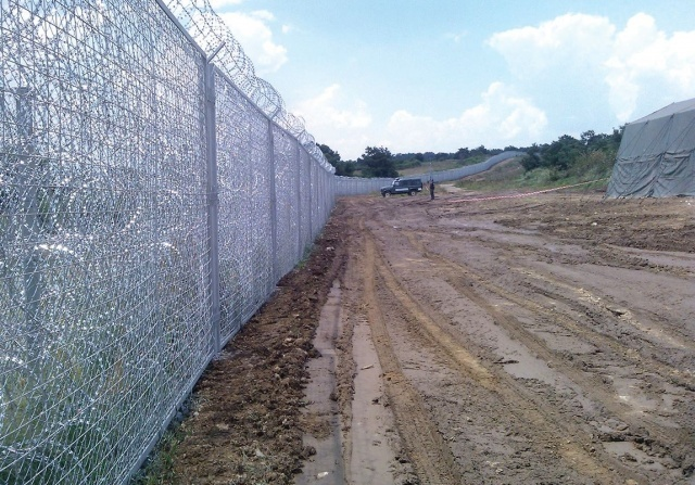 Bulgaria: Bulgaria Allocates Additional BGN 34 M to Bilding Fence along Border with Turkey