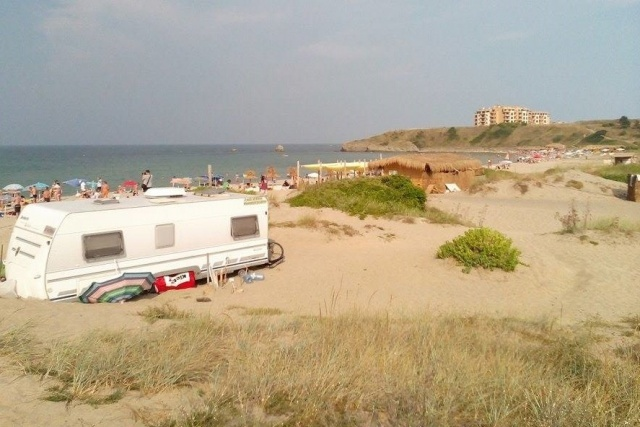 Bulgaria: Bulgaria's GERB Party Proposes to Scrap Total Ban on Beach Camping