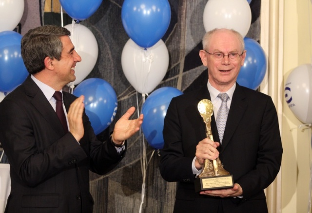 Bulgaria: Bulgaria's Evropa TV Presents Van Rompuy with Pro-European Policy Award