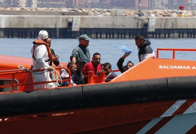 Bulgaria: Total Migrant Arrivals in Europe by Sea Top 190,000 in 2016 - IOM