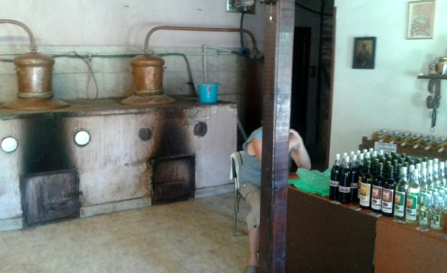 Bulgaria: Bulgarian Authorities Bust Illegal Distillery in Monastery in Pomorie
