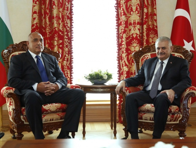 Bulgaria: Bulgaria, Turkey PMs Urge Common European Approach to Migration Crisis