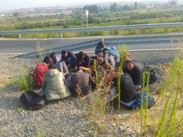 Bulgaria: Croatian Police Discovers 62 Migrants in Minivan