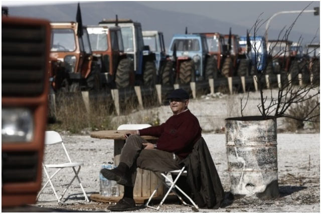 Bulgaria: Greek Farmers Withdrawing from Blockades