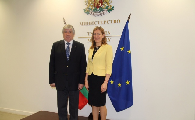 Bulgaria: Nikolina Angelkova and Anatoly Makarov Discuss Bulgarian-Russian Cooperation in Tourism