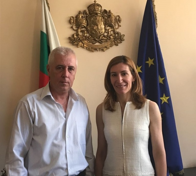 Bulgaria: Bulgarian Minister of Tourism Discusses Possibilities for Developmnet of Medicinal Tourism