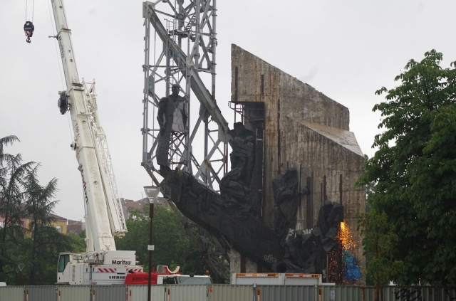 Bulgaria: New Theory About the Burned Crane Dismantling 1300 Years Bulgaria Monument
