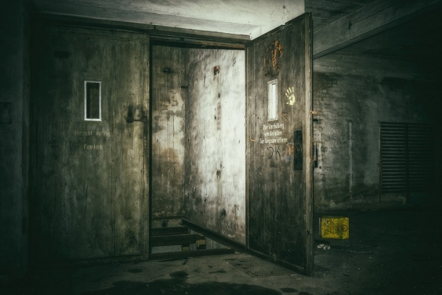 Bulgaria: Young Girl Found Dead in Elevator in Burgas