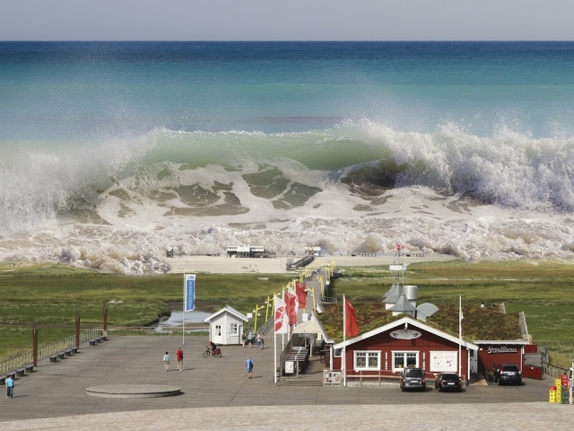 Bulgaria: Tsunami Warning as Magnitude 8 Earthquake Strikes Mexico