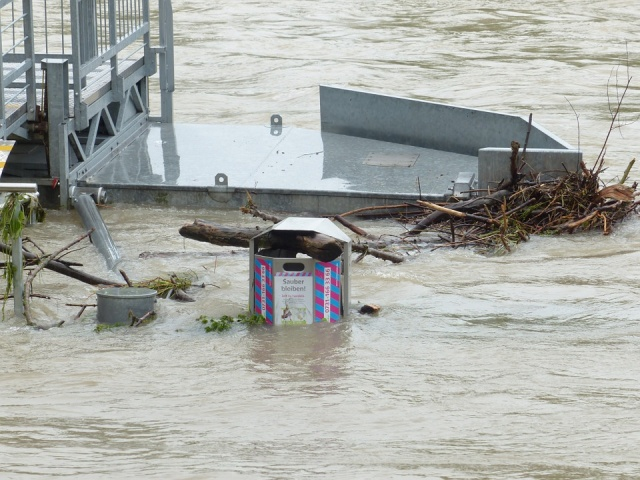 Hurricane Irma hits Florida Islands as Category 4 storm