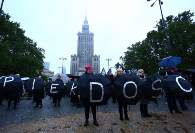 Bulgaria: Thousands of Poles at Street Demonstrations to Support Women's Rights