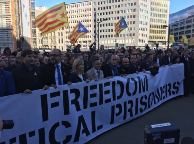 Bulgaria: Demonstrators in Catalonia Block Highways and Railroads