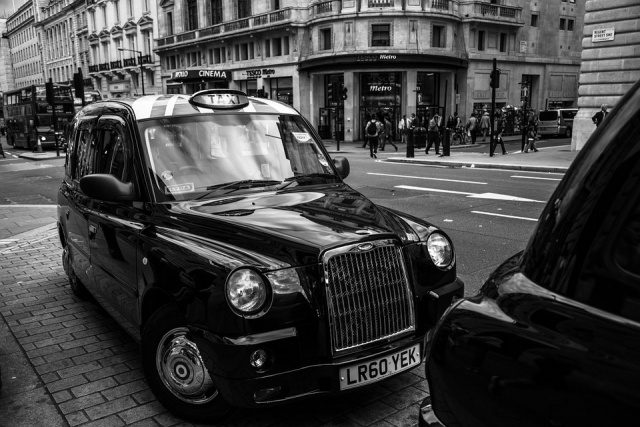 Bulgaria: The First London Electric Cabs are now on the Streets