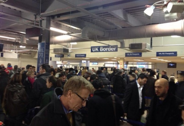 Bulgaria: Hundreds of Romanians are Blocked at a London Airport due to Snowfall