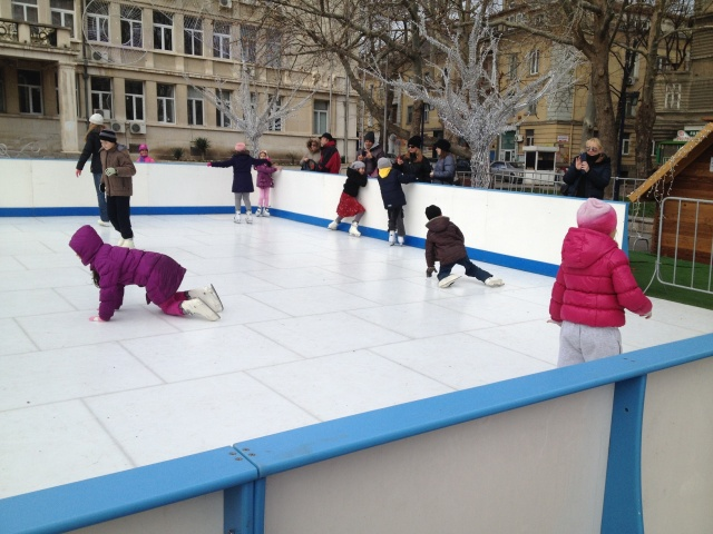 Bulgaria: Free of Charge Ice Rink in Varna until mid January